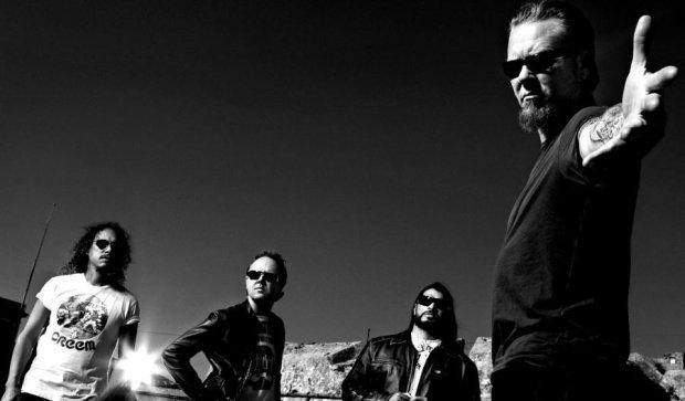 Три брата отыграли концерт Metallica за 18 минут