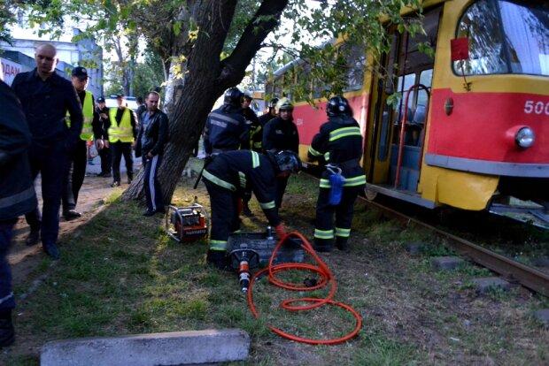 Одеситка впала під трамвай, весь Привоз скрикнув від жаху: відео