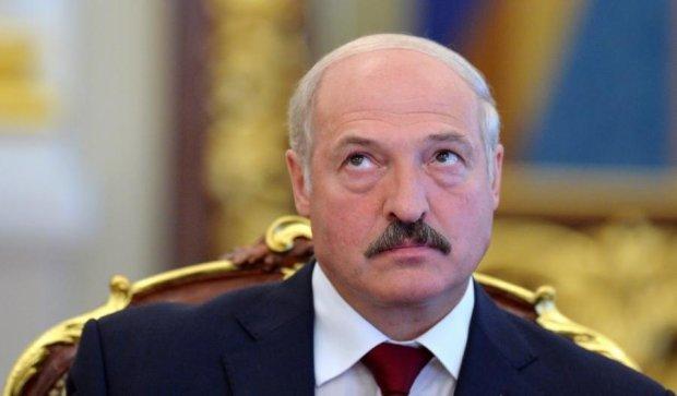 Лукашенко хочет покорять Украину на тракторах