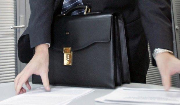 Бери портфель, иди домой: в Кабмине начались чистки