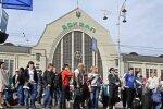 """Українці покидають країну щохвилини, блогер показав Зеленському страхітливу статистику: """"Не зможемо розірвати"""""""