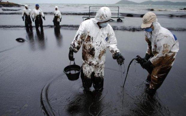 Ціни на нафту обвалилися: що трапиться зі світом