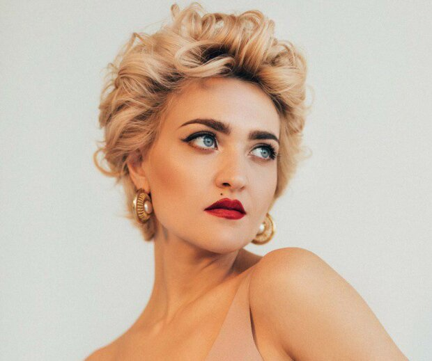 """Зірка """"Жіночого Кварталу"""" Віра Кекелія перетворилася на """"українську Мадонну"""": у Голлівуді кусають лікті, фото"""