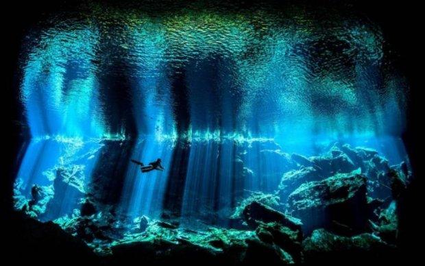 """Аномальные """"колодцы"""" нашли в мировых океанах"""