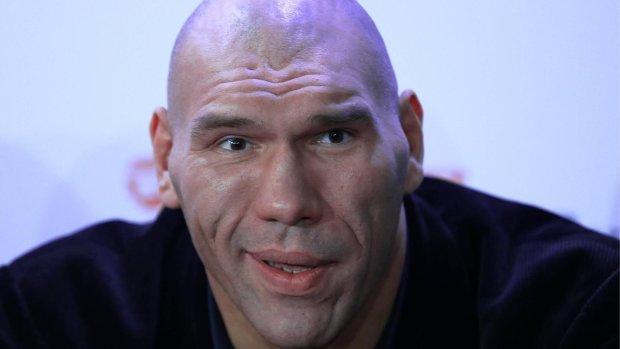Гарматні удари, напір і молодість: Валуєв назвав фаворита бою Гвоздик-Нгумбу
