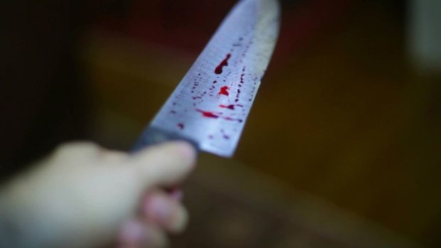 Она простила, он — нет: юноша зарезал девушку, которая защитила его перед судом