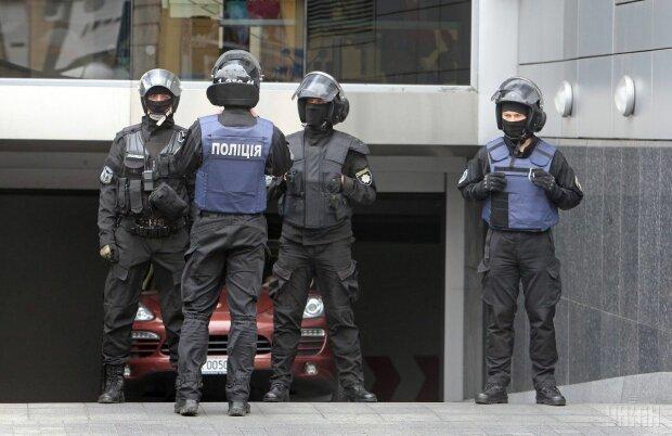 У Авакова терміново готують полки поліції, Нацгвардії та рятувальників, 300 акцій по всій країні: що відбувається