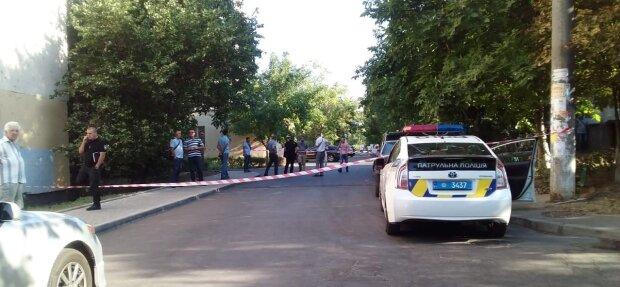 """В Одесі розгорілася кривава драма між подружжям: """"заспокоїла"""" куля"""