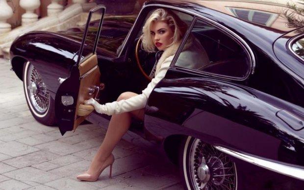 Не там стоял: бывшая прокурорская блондинка крушит столичные авто