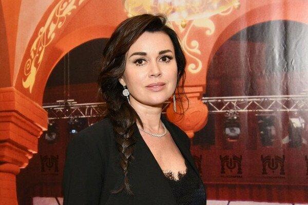 Все: лікарі припинили лікування відомої актриси Анастасії Заворотнюк