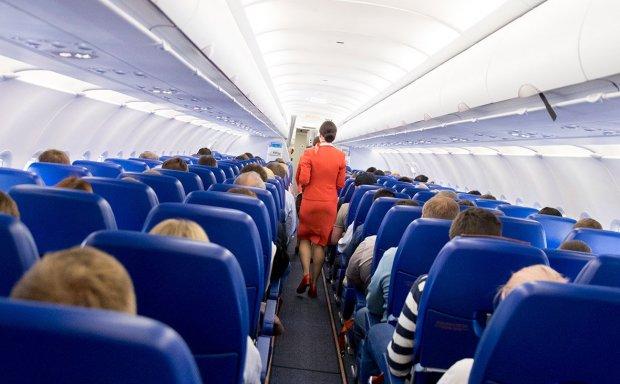 Самолет с украинцами не долетел до Шарм-эль-Шейха из-за ЧП на борту