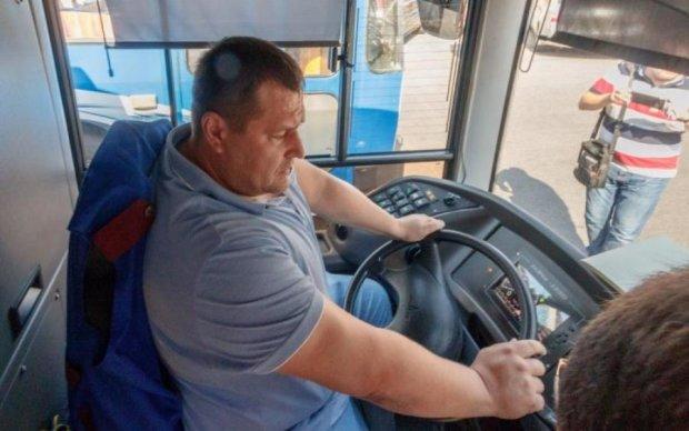 Бейте хохлов, крошите: находку для СБУ засекли в киевской маршрутке