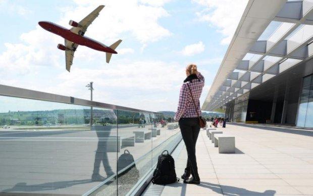 Українська авіакомпанія може втратити право на польоти