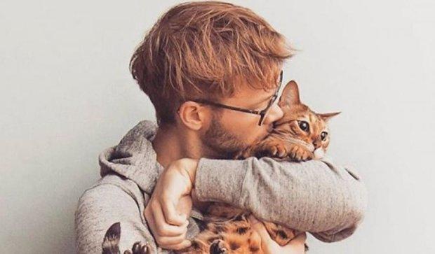 Брутальные мачо с кошками – новый тренд Инстаграма