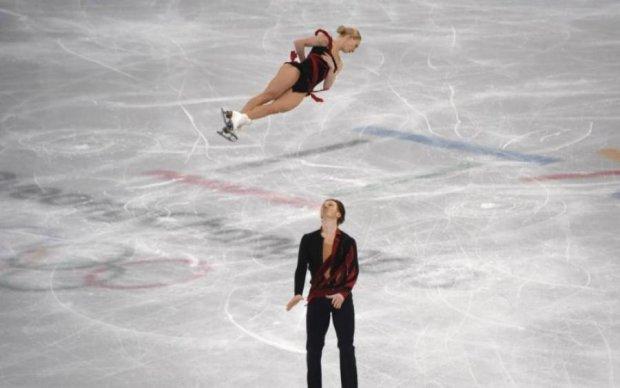 """Пікантний конфуз на Олімпіаді: сукня не """"втримала"""" груди фігуристки"""