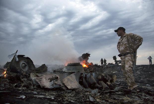 """Боевик """"ДНР"""" ошарашил признанием о катастрофе MH17: """"Такого не слышал"""""""
