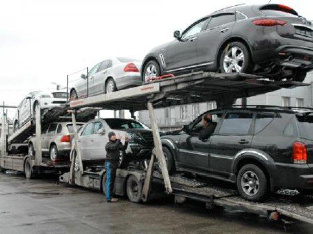 Уряд може прибрати мита на імпортні автомобілі