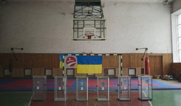 Коаліція не домовилася про дату виборів у Маріуполі та Красноармійську