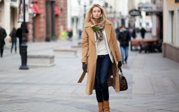 Лайфхак для модниць: як носити пальто, щоб не мерзнути взимку
