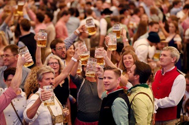 Пивний фестиваль, фото: Reuters
