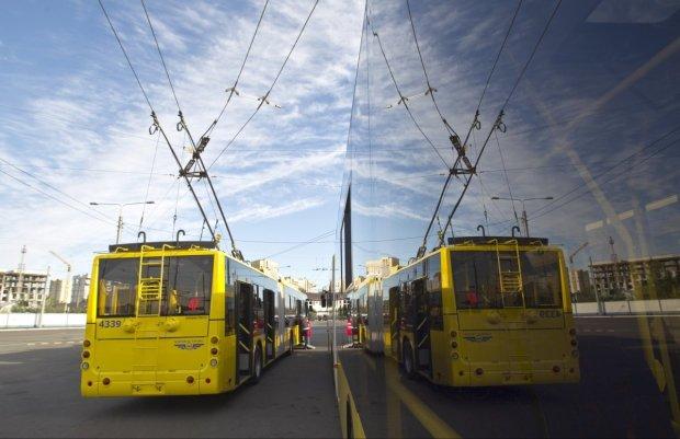 В киевском транспорте запретят рассчитываться наличными: стала известна точная дата