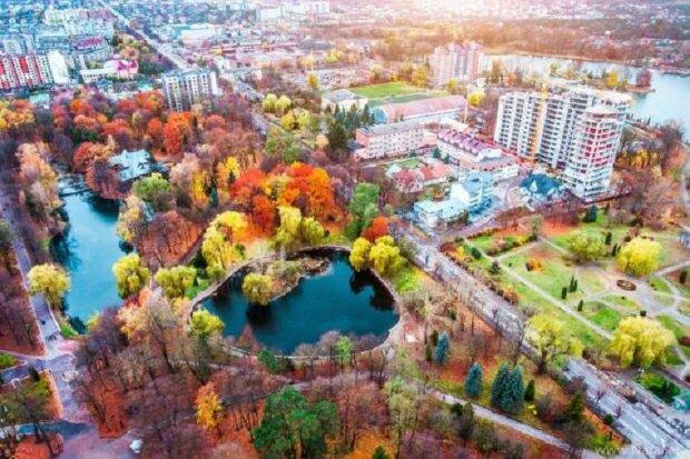 Погода в Івано-Франківську 10 листопада: туман і дощі окупували місто на весь день