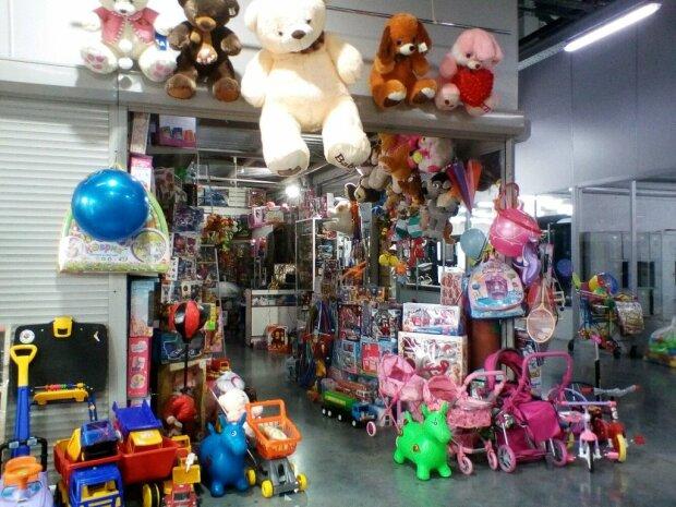 Звичайна іграшка може завдати непоправної шкоди: як батькам захистити дітлахів