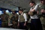 """""""Свист куль і звуки вибухів"""": Зеленський провів екстрену зустріч з військовими на передовій"""