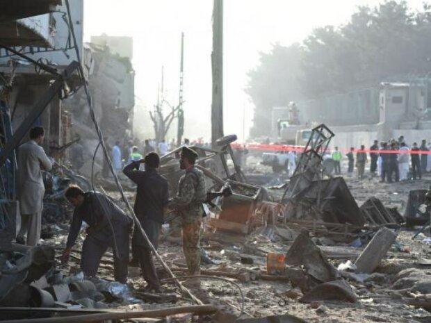 В столице прогремел мощный взрыв: погибли десятки людей, тела не успевают выносить