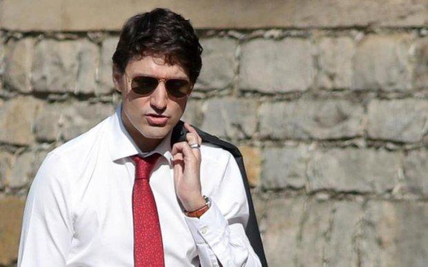 Очки раздора: премьер-министра оштрафовали на крупную сумму