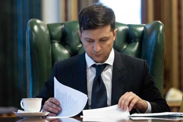 """У Зеленского заговорили о новых выборах в ближайшее время: """"В Конституции это все выписано"""""""
