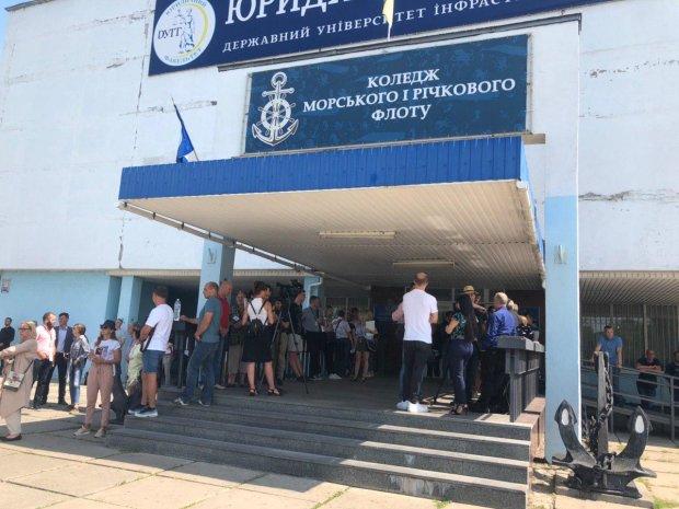 Вибори у Верховну Раду України: явка, дані екзитполів та перші результати