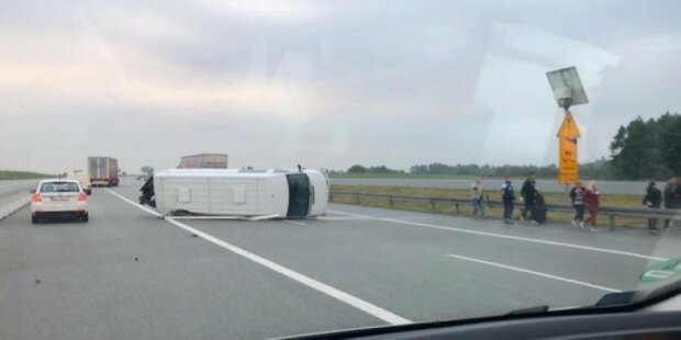 Проклятое шоссе: в Европе разбилось два автобуса с украинцами, очевидцы рассказали о странных знаках