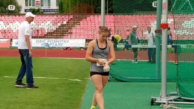 Українська жінка-молот вразила витонченим тілом: встановила особистий рекорд