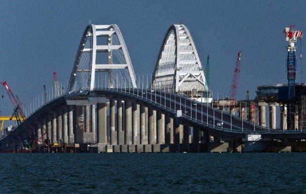 """""""Голограмма барахлит"""": свежее фото Крымского моста озадачило сеть"""