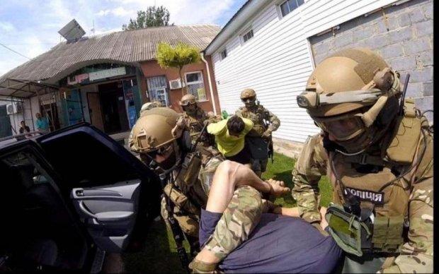 Запытали до смерти: преступники попалились с видео в телефоне