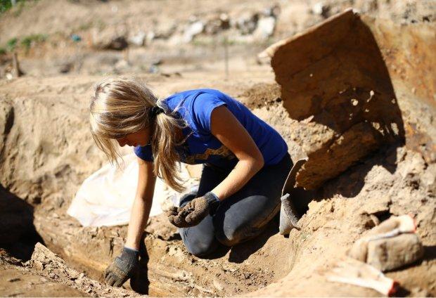 """Археологи неожиданно обнаружили древнего человека с """"уверенной"""" походкой: скрывался 4 млн лет"""