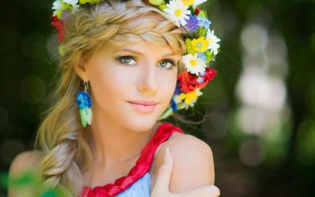 Убивает красоту и молодость: звезды советуют отказаться от популярного напитка