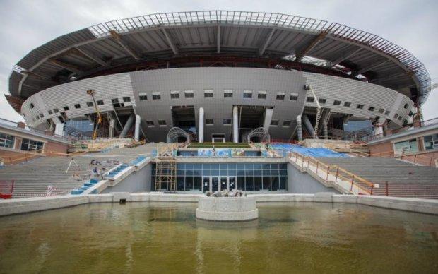 Найдорожчий стадіон ЧС-2018 став посміховиськом