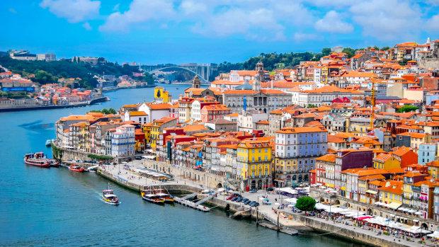 Чого варто очікувати від батьківщини портвейну: особливості Порту