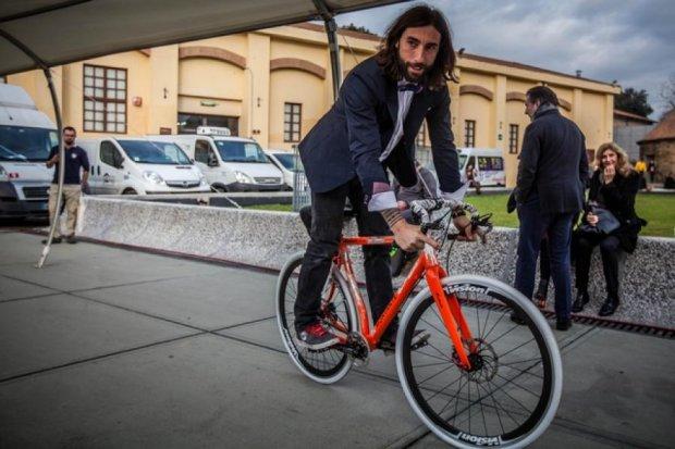 Российский бизнесмен обещает миллион евро за повтор трюка итальянского экстремала (видео)