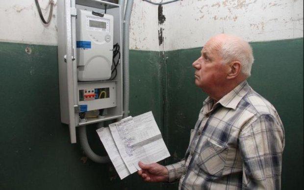 Плати круглый год: Кабмин снова подложил украинцам свинью
