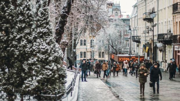 Зима візьме Київ у морозний полон 8 лютого, не забудьте шапки та рукавиці