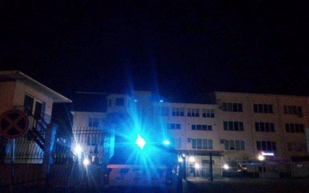 Неизвестные обстреляли польское генконсульство в Луцке
