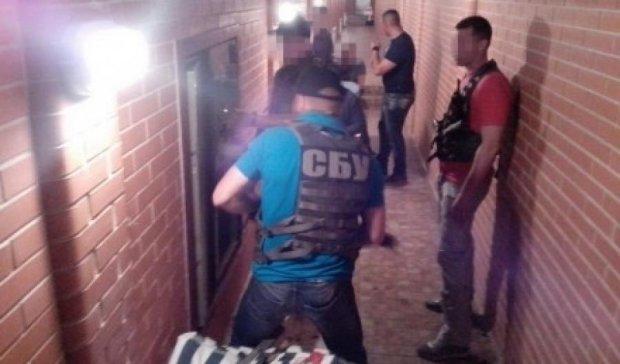 Николаевский чиновник прятал в тоннелях под домом золото и антиквариат