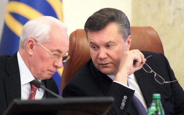 Януковича и Азарова огорчили новостями о безвизе