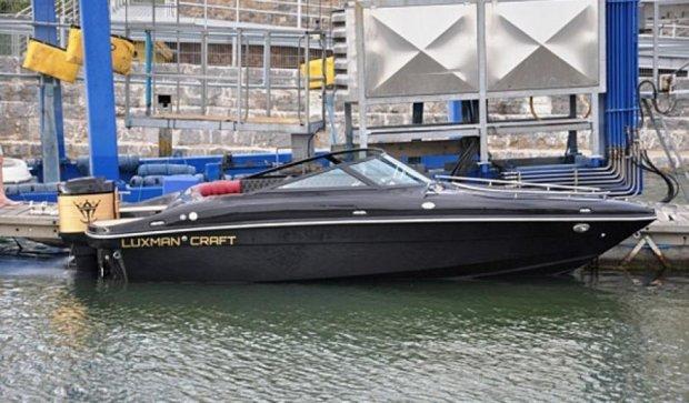 Британська верф випустила шикарний люксовий катер Luxman Bullet (фото)