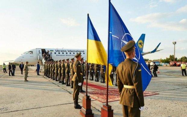 Зміцнюємо фланги: НАТО покаже Путіну дещо класичне