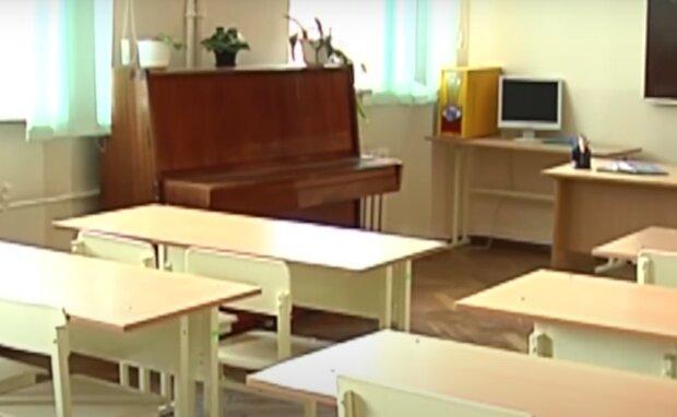 Тернопольских школьников заставят нюхать спирт и менять температуру