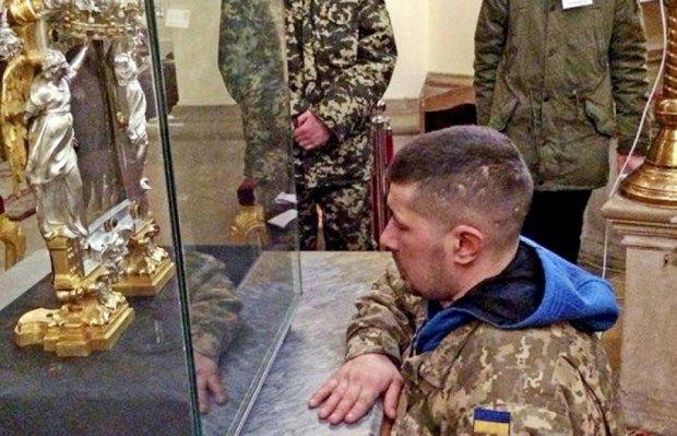 Через вірян у Львові перекрили рух